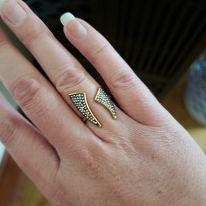 Stella & Dot Pave Horn Ring